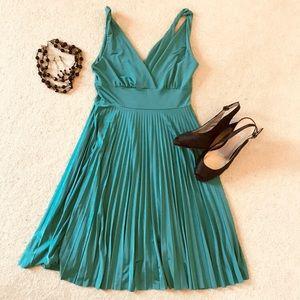 Emerald Green Soprano pleated cocktail dress